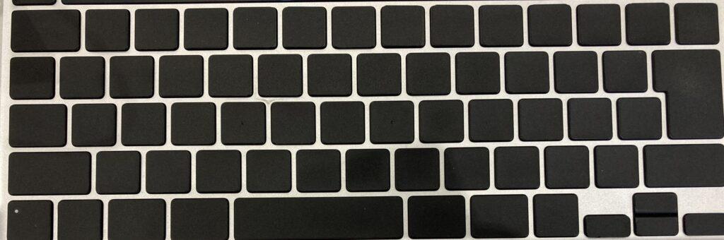 僕のキーボード このようにシールを貼っています